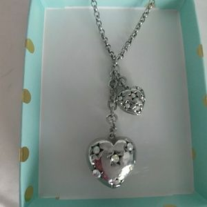 Donating 2/1 sparkly heart necklace